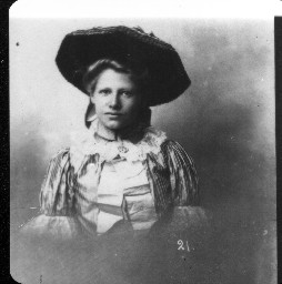 The last known photo of Jennie Olsen, Belle Gunness' niece